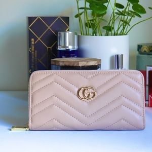 Gucci GG marmont zip wallet taupe